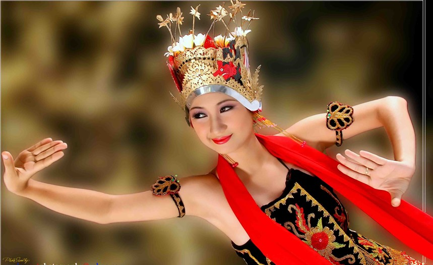 The Most Famous Traditional Dances of Indonesia